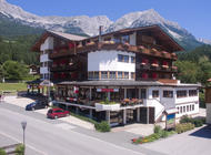 Aussenansicht Hotel Alpin