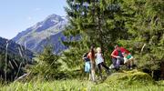 Familien freuen sich über unbeschwerte Tage in intakter Natur im Nationalpark Hohe Tauern