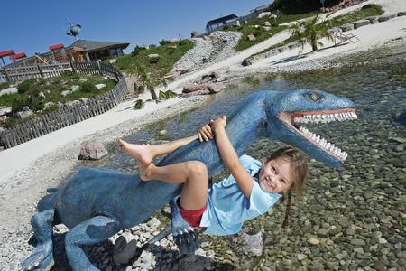 Rauf in die Urzeit! -Triassic Park auf der Steinplatte/ Waidring