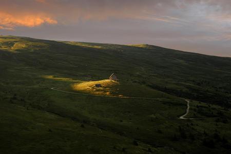 Wolfsberger Hütte im Abendlicht