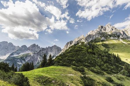Die faszinierenden Felsformationen des Kaisergebirges zum greifen nahe.