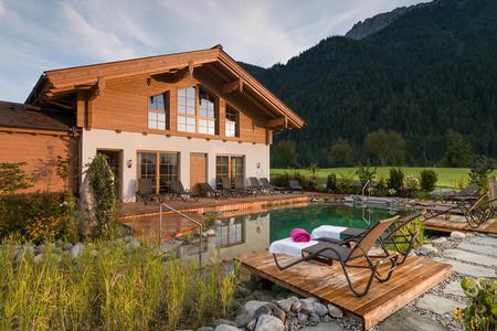 Schwimmteich Hotel Waidringer Hof · 1. Tiroler Glückshotel
