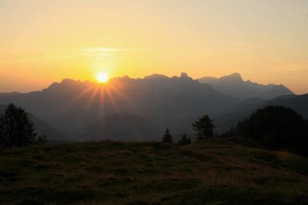 Sonnenaufgang über dem Gosaukamm