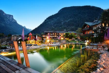 Mühlpointhof-Sommer Teich bie Nacht