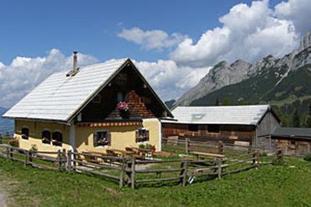 Neubachhütte auf der Loseggalm