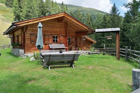 Hochtratten Hütte