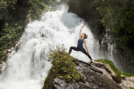 Yoga am Wasserfall in Bad Gastein