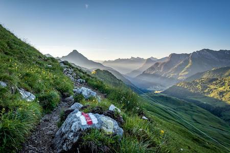 Wanderweg Hochkrumbach mit Blick auf den Biberkopf