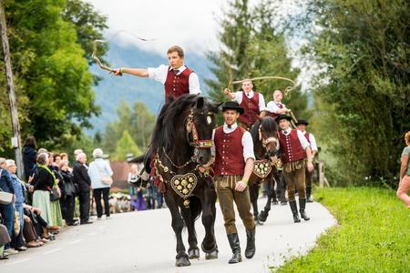 Schnalzergruppe am Pferd